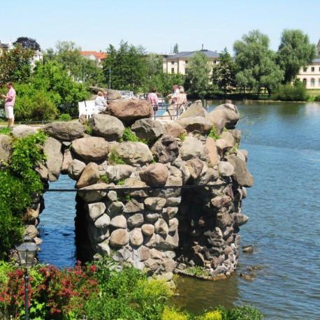 Fledermausland in der Liebesgrotte + Illuminierter Schlossgarten